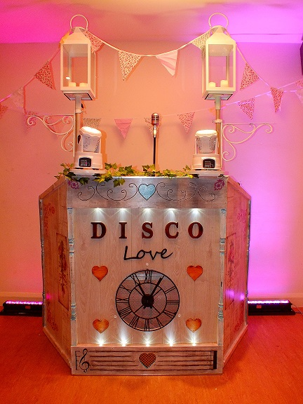 Retro vintage shabby chic themed DJ booth from DJ Gavin Vaclavik